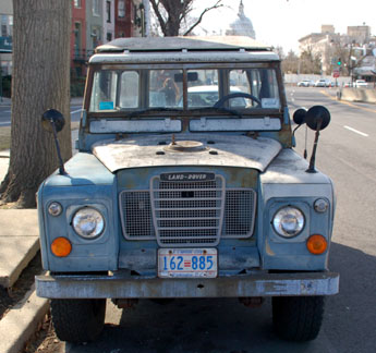 Land Rover with 1984 baseplate no. 162-885