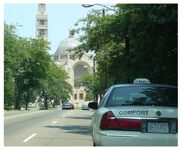 Taxi approaching the Basilica of the National Shrine of the Immaculate Conception